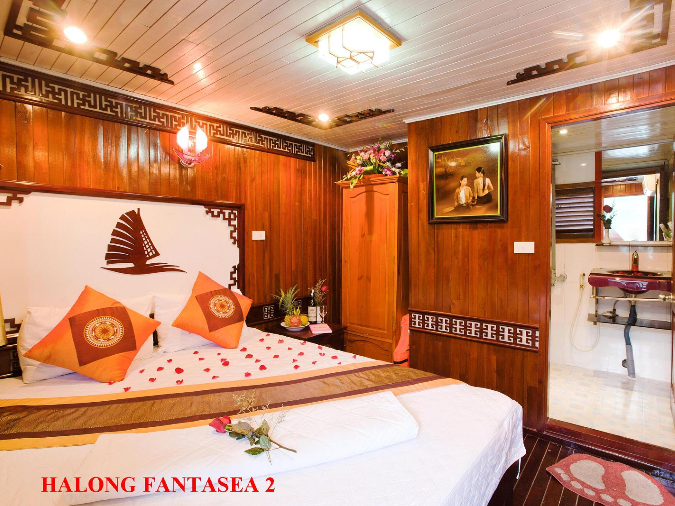 Fantasea Cruise 2 Days 1 Nightfantasea Night Farfromgenerator Short Circuit 7